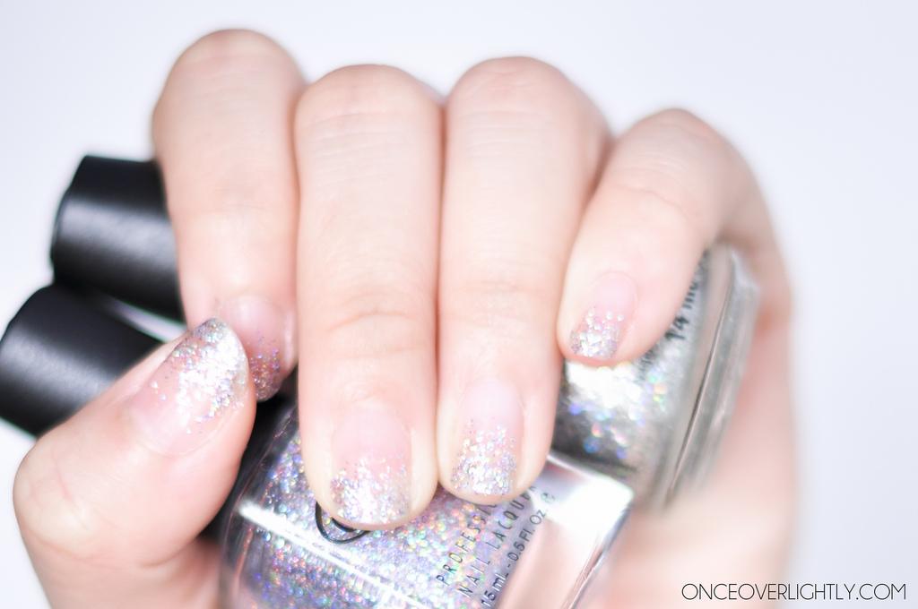 Gradient Glitter Manicure DIY